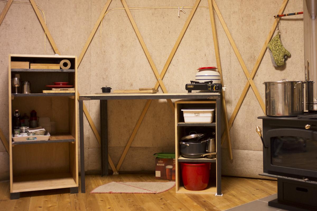 meubles pour yourte en bois et acier r utilis s
