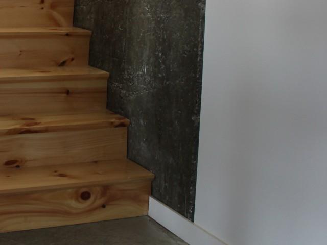 Escalier pin noueux